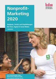 Nonprofit Marketing Cover: Maria Furtwängler unterwegs mit German Doctors